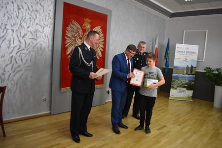 Turniej Wiedzy Pożarniczej - foto4 (kliknięcie spowoduje powiększenie obrazu)